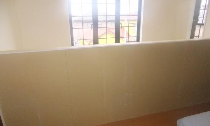 寝室壁before